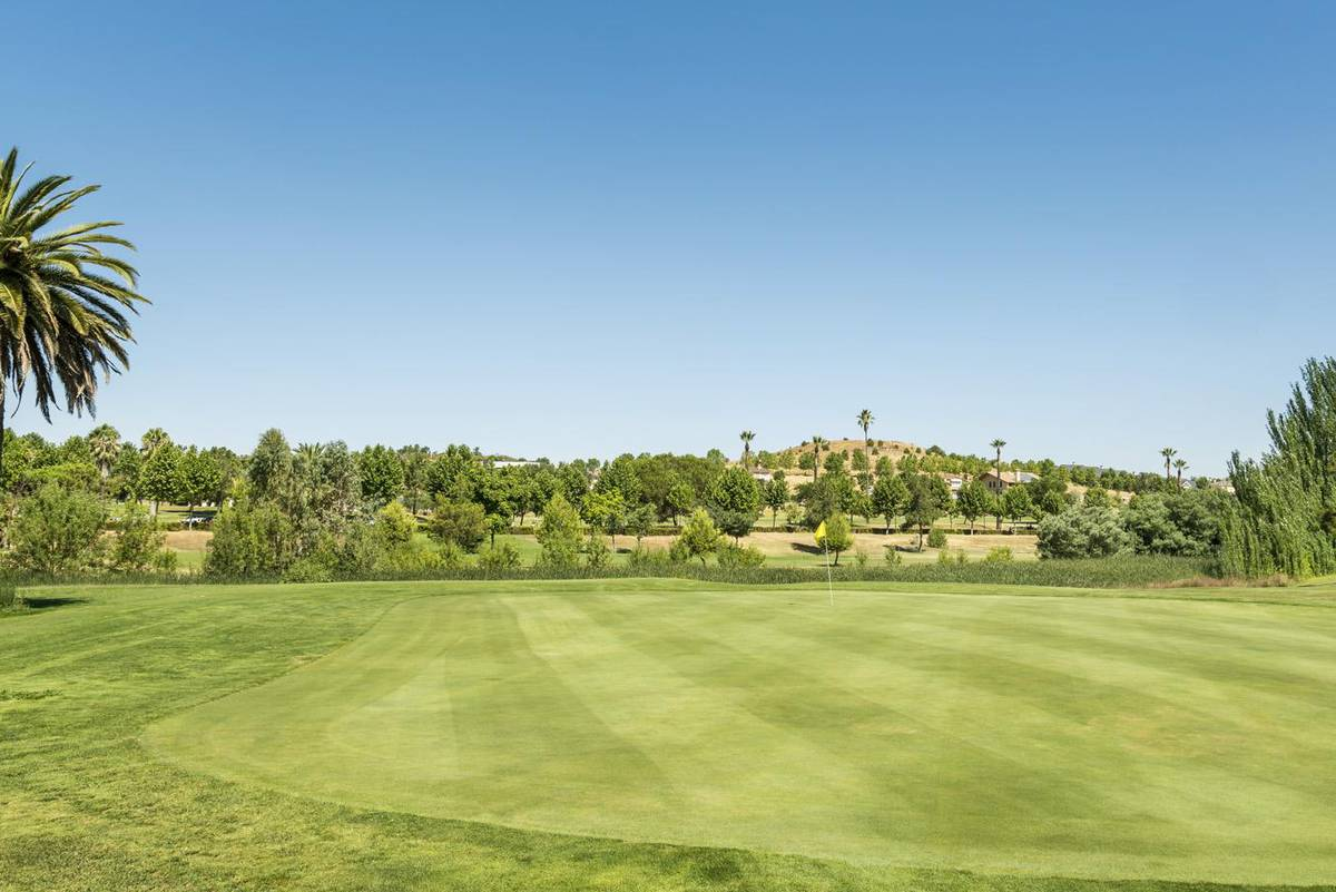 Golf ilunion golf badajoz hotel ilunion golf badajoz